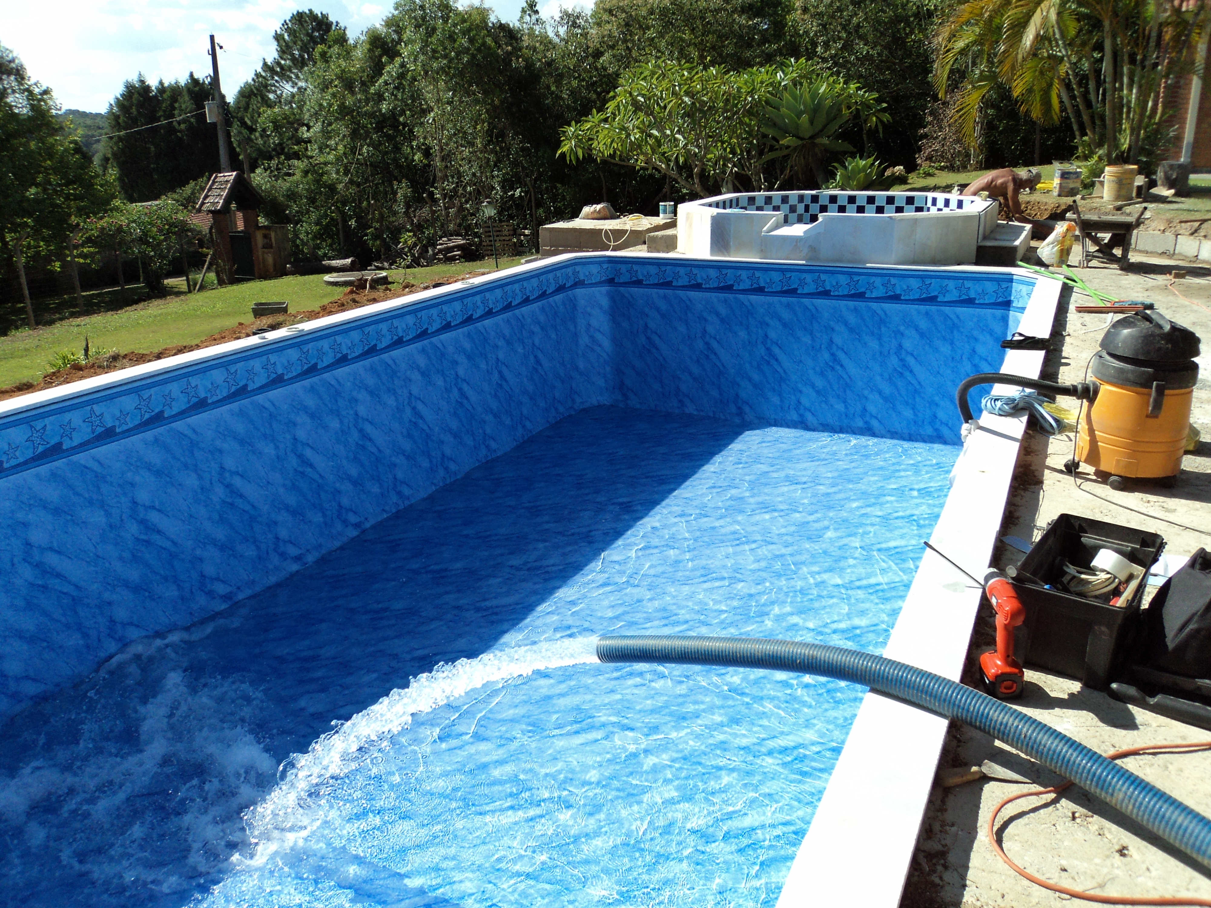 Piscina constru o henrique 9 viegas constru es for Motor para depuradora de piscina